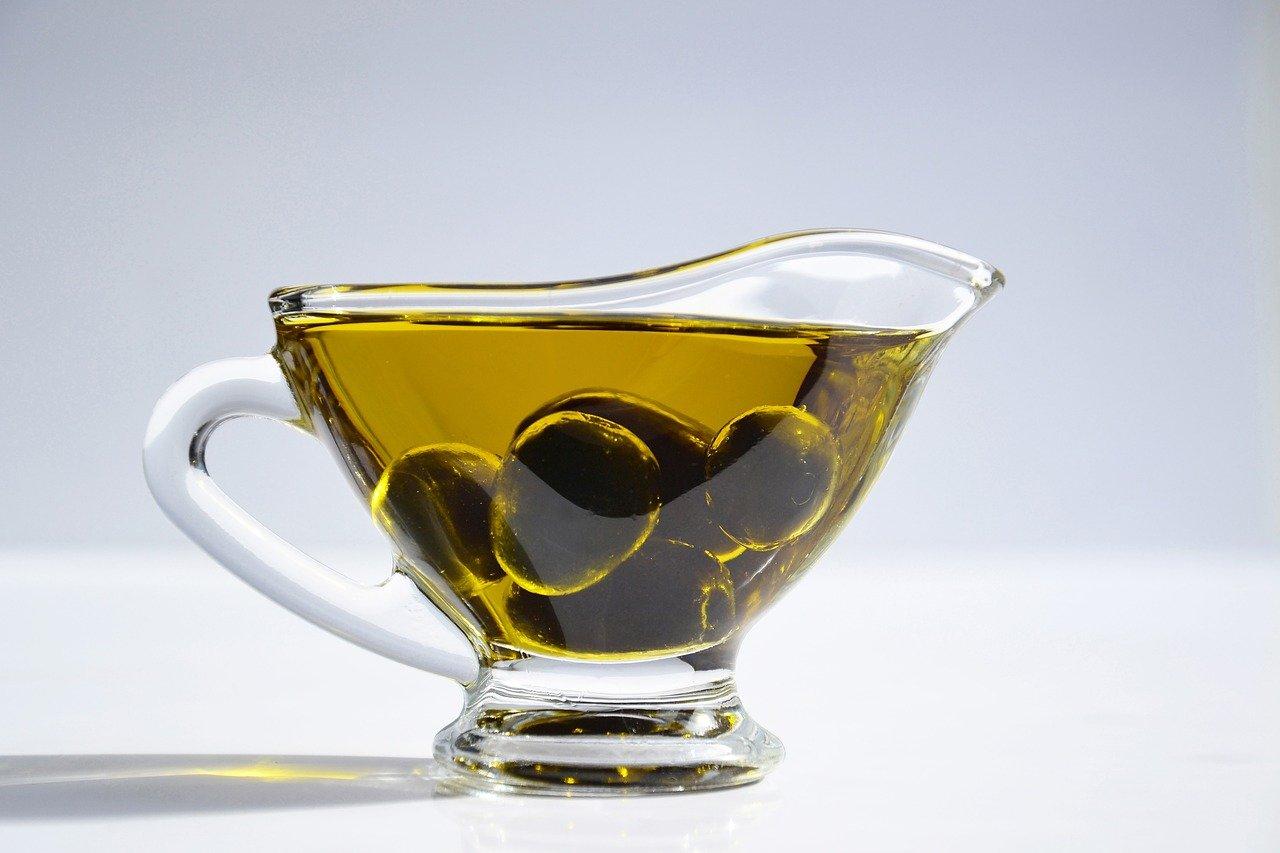 Sanísimo en su justa medida: ¿cuál es la cantidad diaria recomendada de aceite de oliva?
